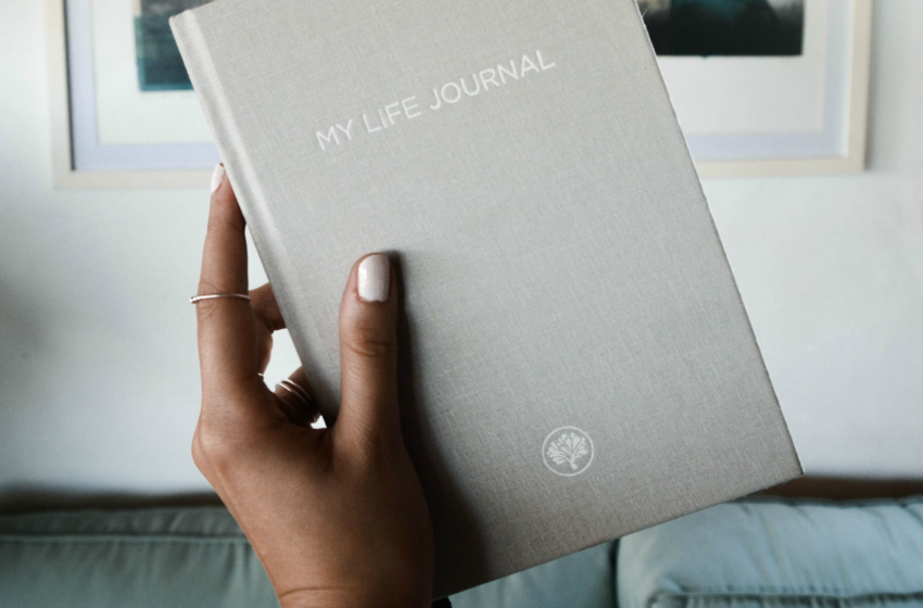 8 Free Journaling Prompts For Anxiety That Benefits Your Wellbeing During The New Normal